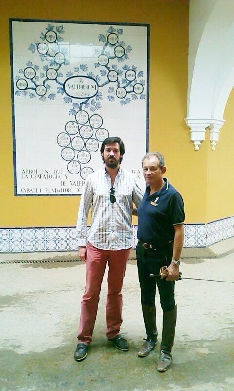 Miguel Bonastre gerente de SEGUROSEQUITACION con el jinete Olímpico Rafael Soto en la Real Escuela Andaluza del Arte Ecuestre